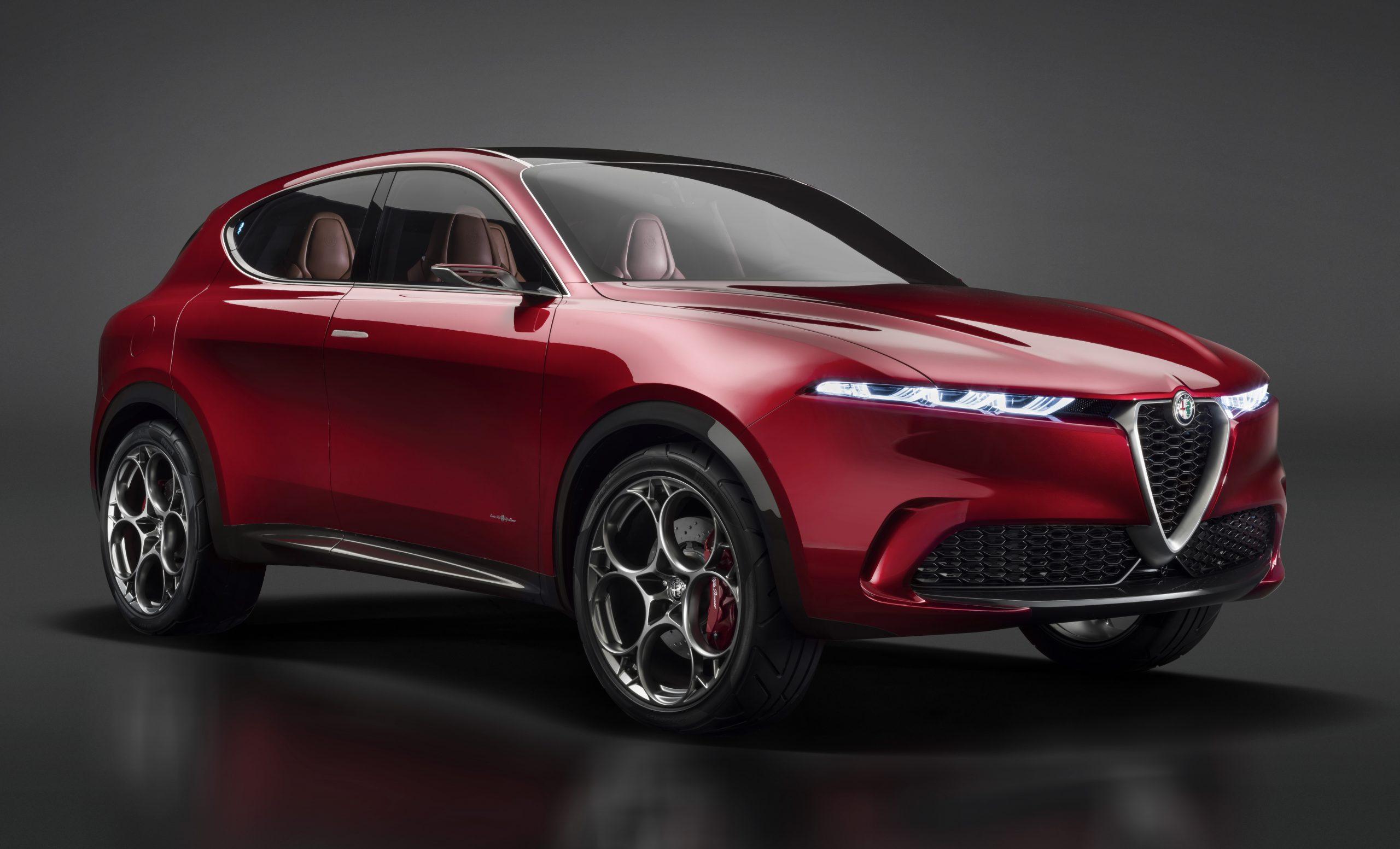 De Alfa Romeo Tonale wint de stem van de lezers van WhatCar? bij de 2021 Awards van het Britse tijdschrift