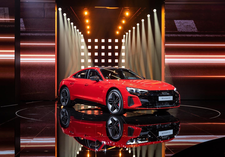 Elektrisch, sportief en vooruitstrevend: de Audi e-tron GT