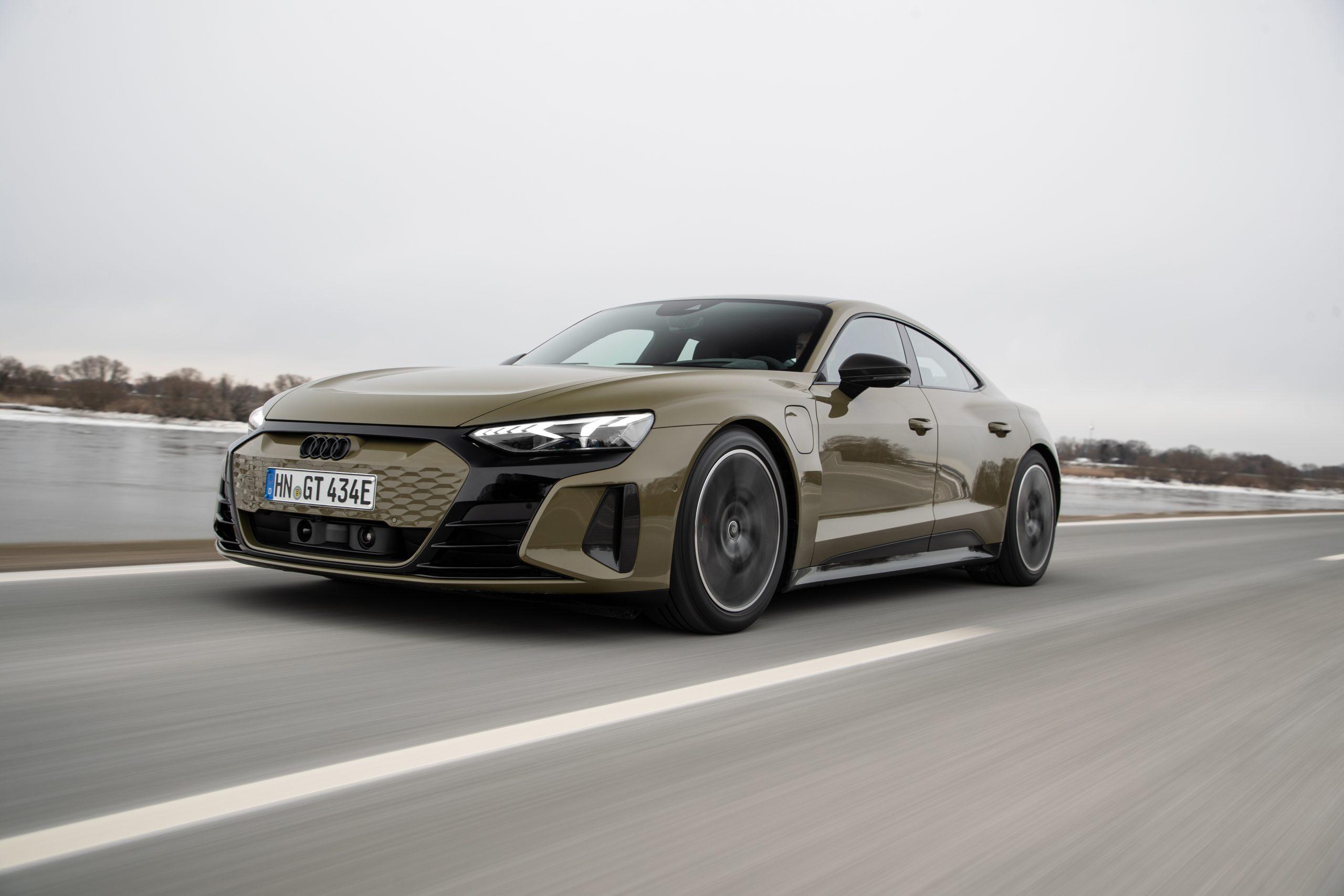 De aantrekkingskracht van elektrisch rijden: de Audi e-tron GT quattro