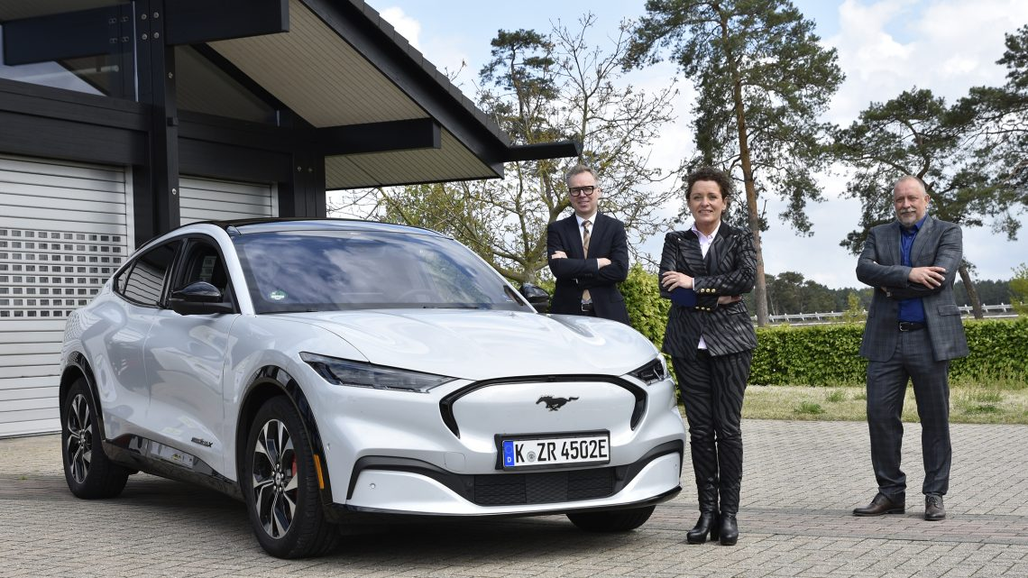 Ford Lommel Proving Ground – Expertise in drive training bevestigd door Minister Peeters