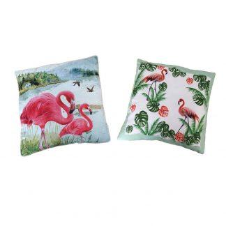 Ett set med två trendiga prydnadskuddar med Flamingo motiv