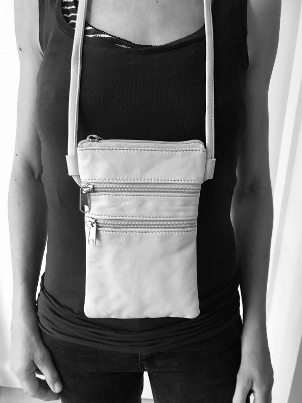 Håndlavet taske af upcycled skind