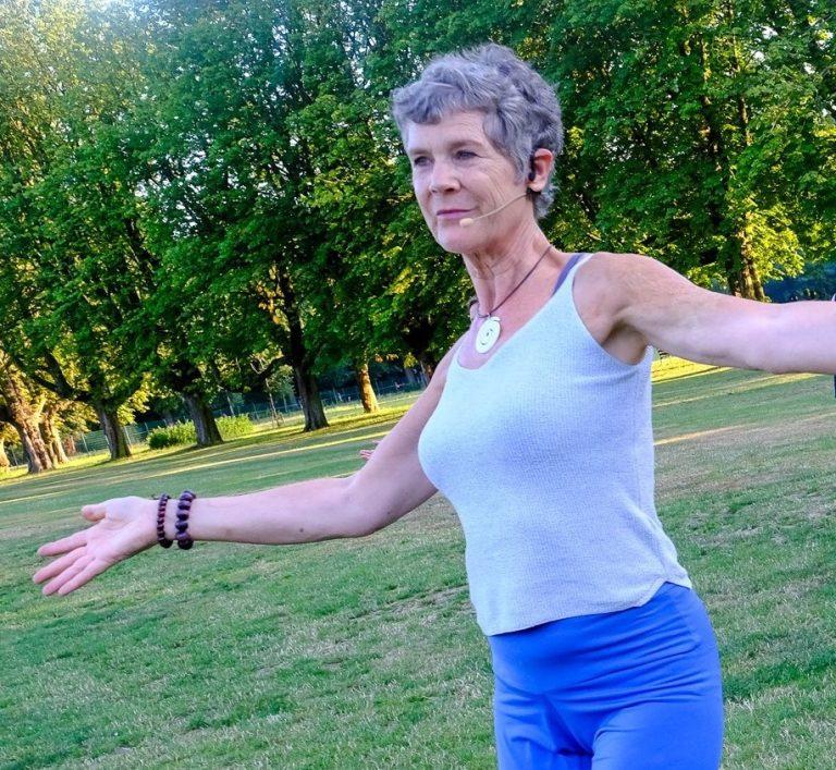 Marianne Nia in het park
