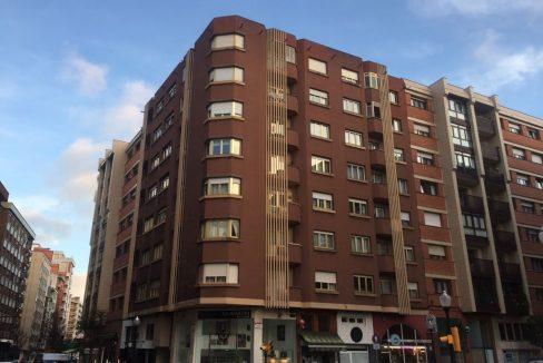 Piso en venta muy amplio en el barrio de la arena listo para entrar a vivir (Gijón)