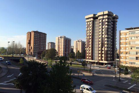 Piso en venta en Pumarín - Gijón. A reformar