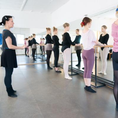Ballerita_Ballett_Jazz_Tanz_Training_Muelheim_Duisburg_Fit_wie_eine_Ballerina