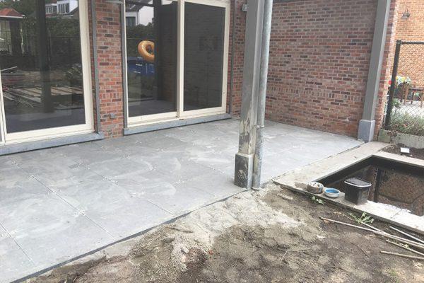 Een terras in een Belgian Blue tegel te Brasschaat