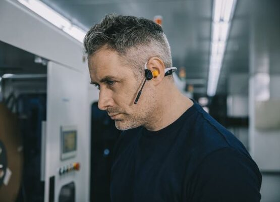 AfterShokz OpenComm Review