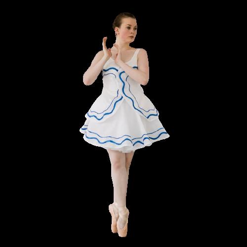 Jennifer grundlagde balletskolen i 2009. Jennifer begyndte sin balletuddannelse, da hun var 6 år bl.a. på Det Kongelige Teaters Balletskole. Sidenhen i London på Rambert School of Ballet and Contemporary Dance samt Northern School og Contemporary Dance i Leeds, UK. Jennifer har mange års erfaring med undervisning af børn, unge og voksne.