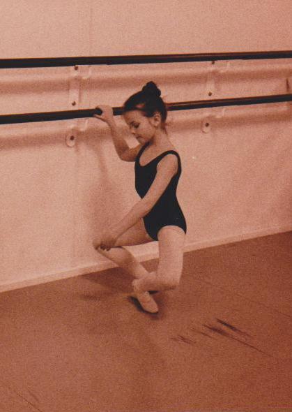 Jennifer bech som balletbarn ved Det Kongelige Teater. Den gang var vores uniform en sort dragt med bredde stropper.