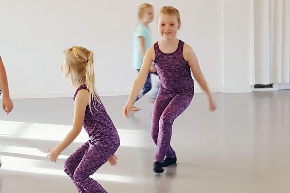 Ballet og moderne hold for børn og voksne