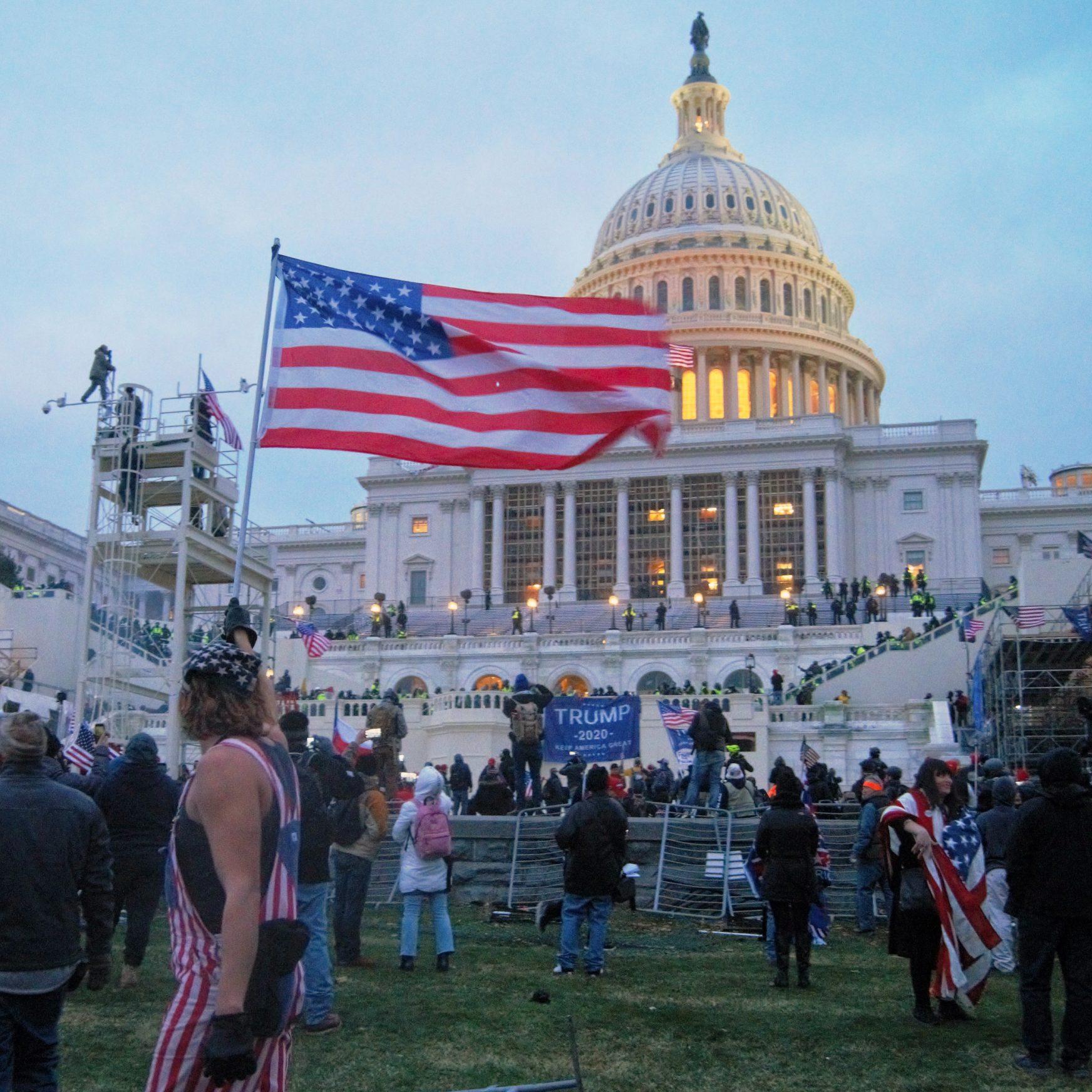 REVANSCH FÖR DEN POLITISKA MITTEN: Har vi fått nog av polariseringen?