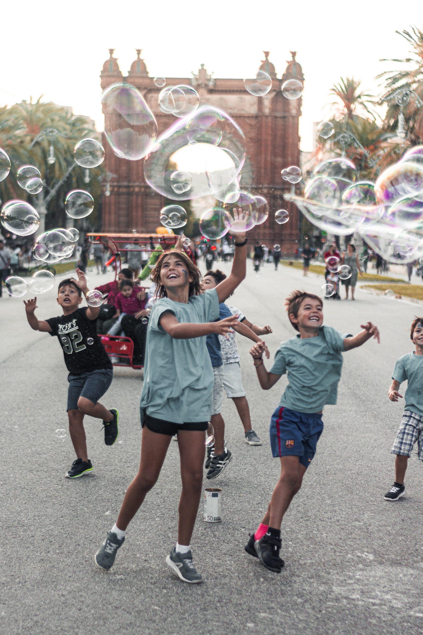 DE NYA AFFÄRSMODELLERNAS GOTT OCH BLANDAT: Det bubblar överallt