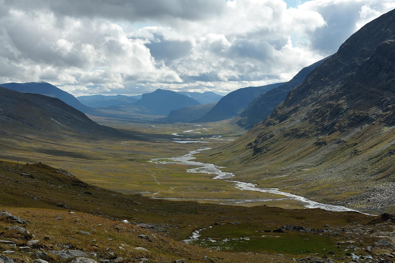 Kungsleden söderut vid Tjäktjapasset