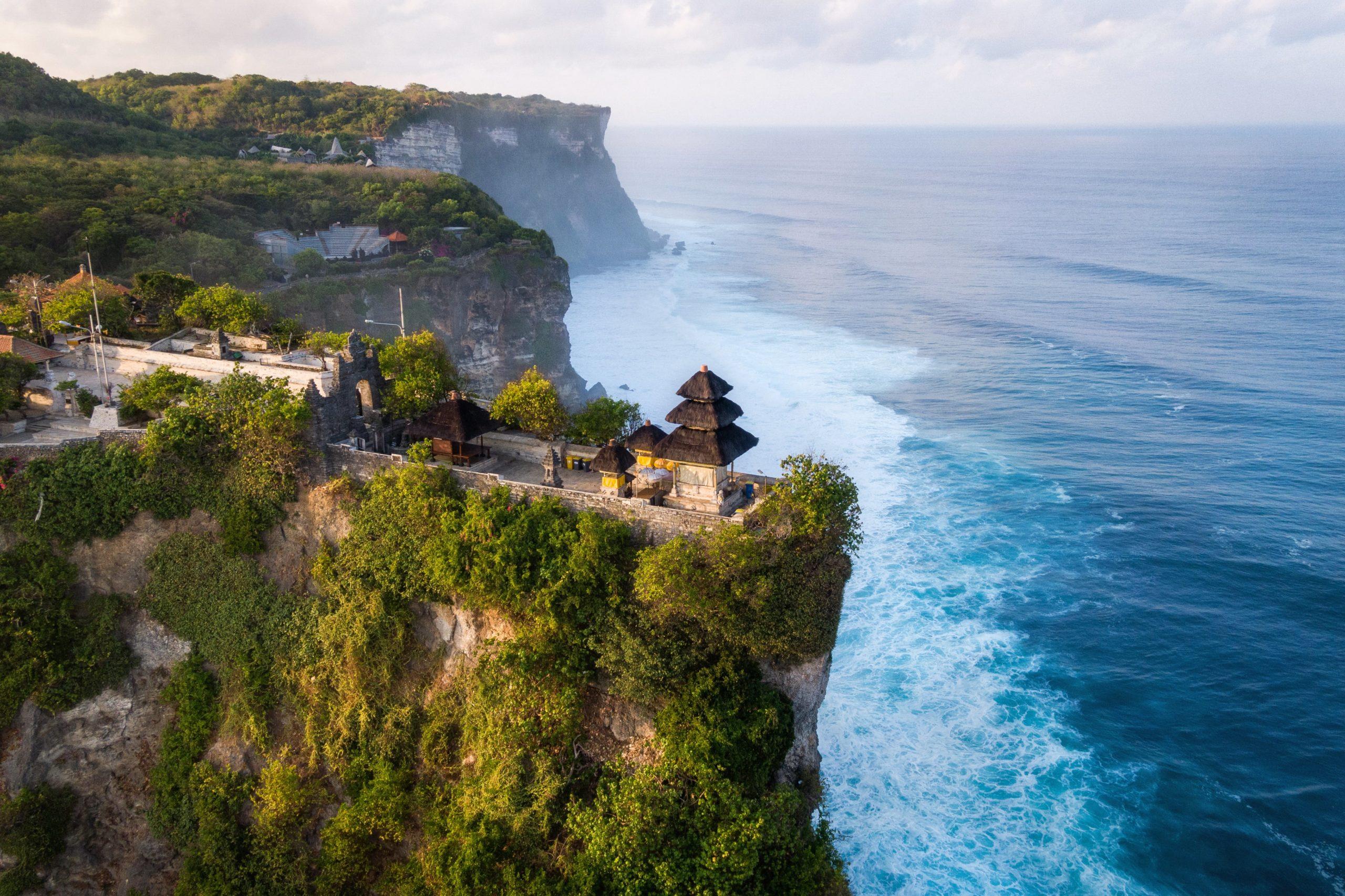 Surfing Bali Uluwatu Temple-min