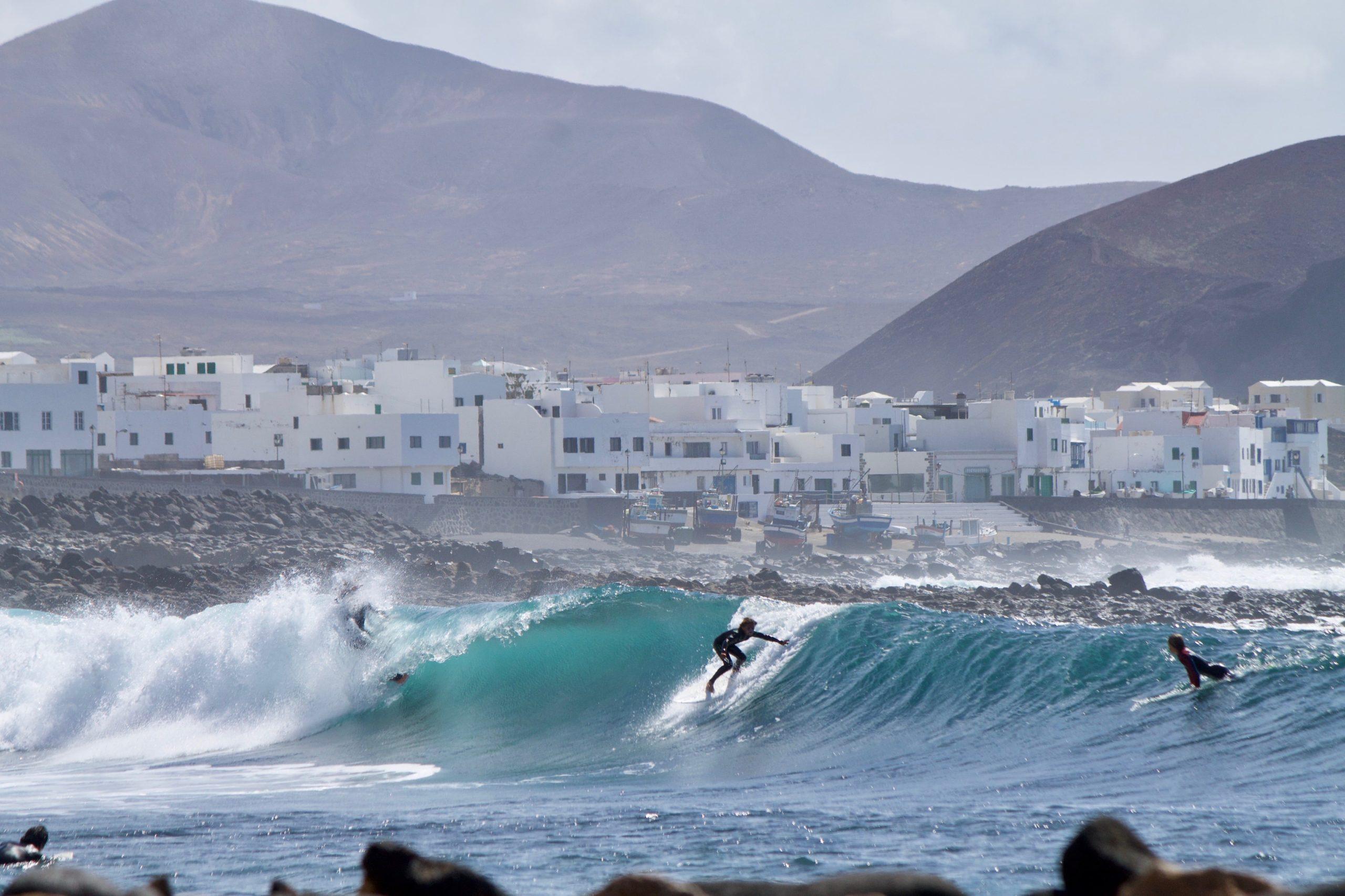 Surfing Lanzarote - La Sanata