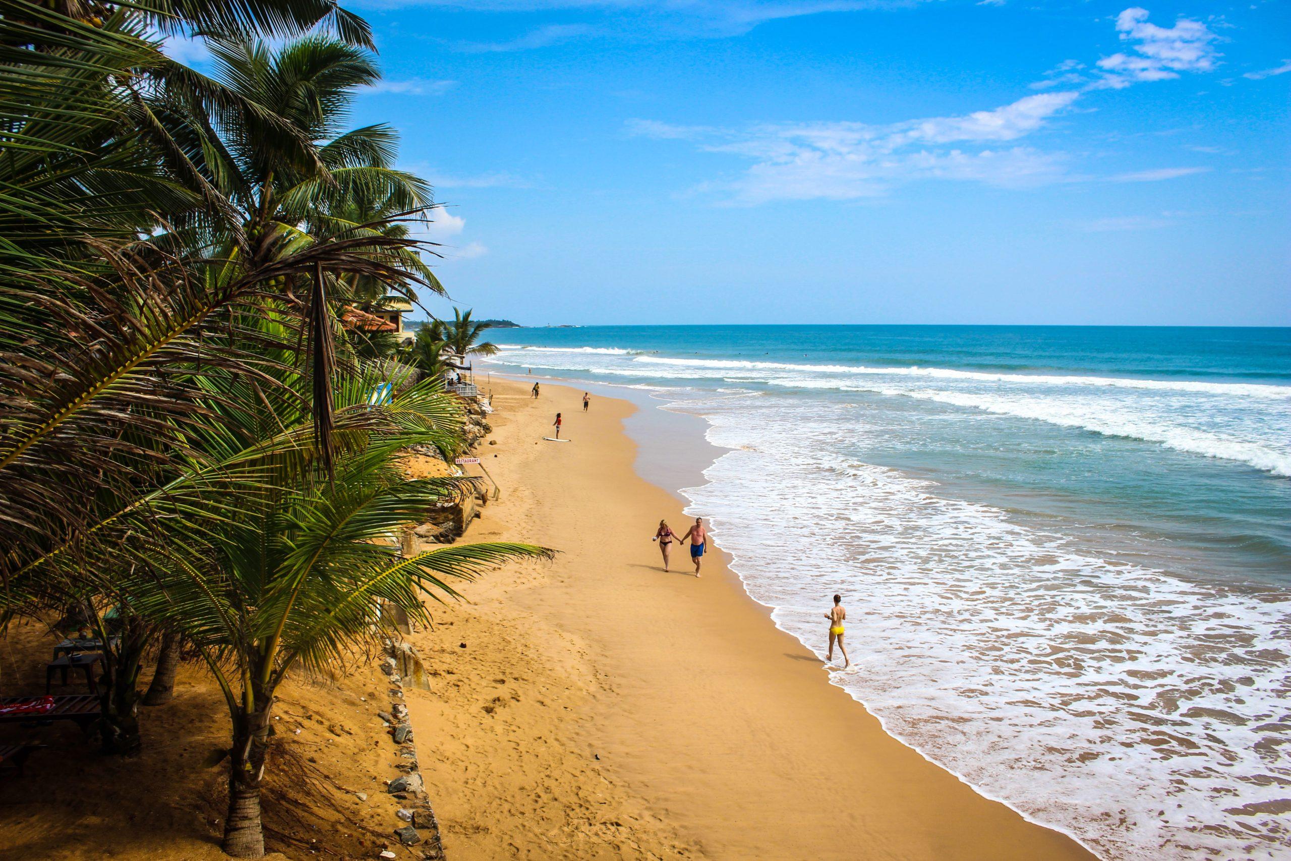 Surfing Sri Lanka Hikkaduwa