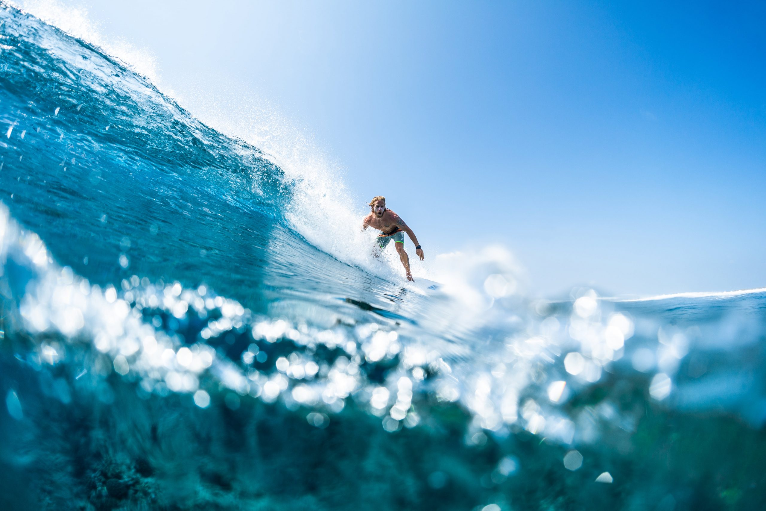 surf spots in the maldives