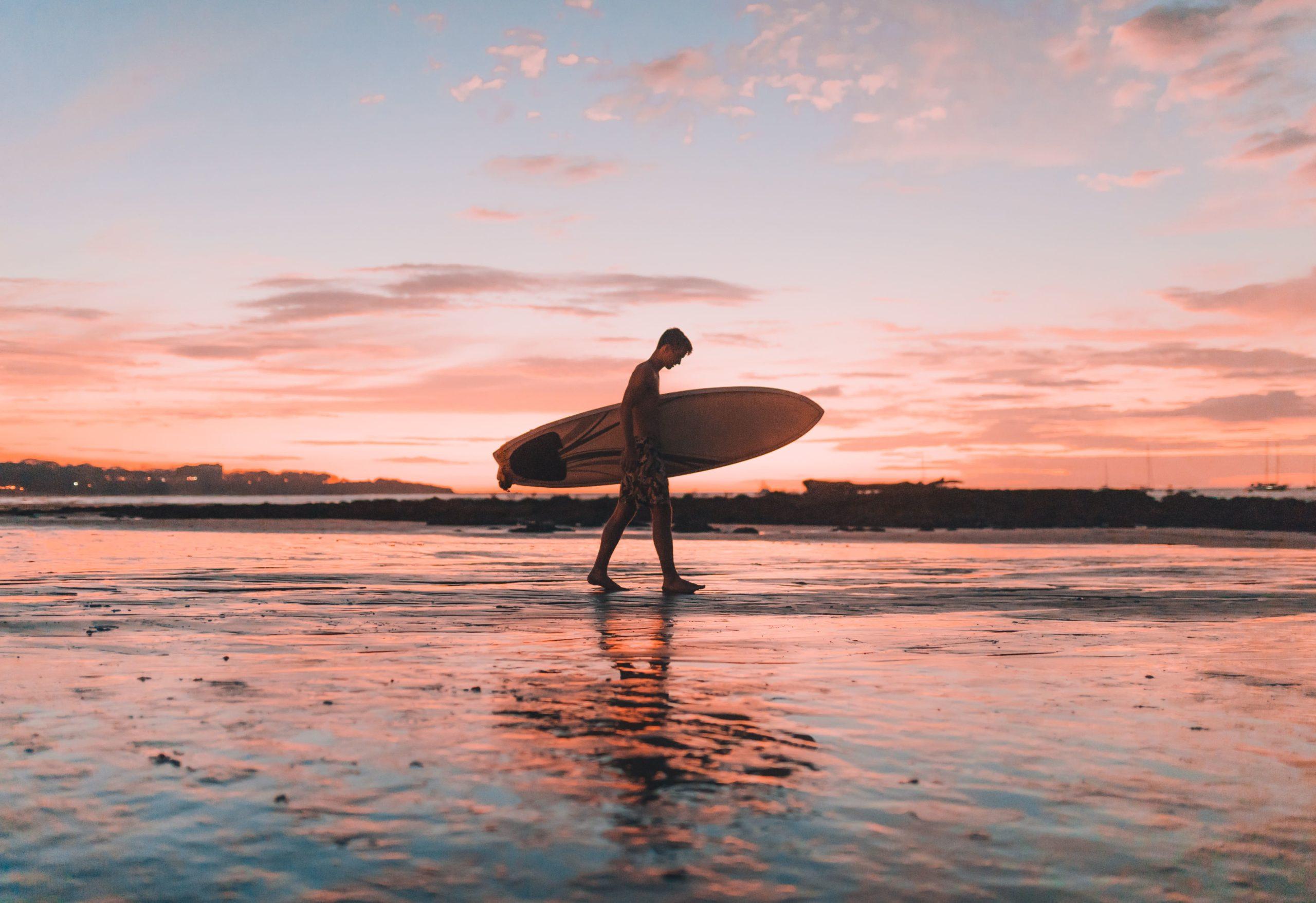 surfing Tamarindo