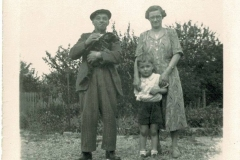 Tommy and Lucy Topper, with Terry Gill at 27 Wood End