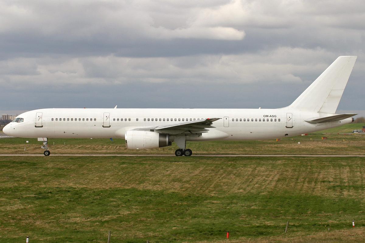 OM-ASG B752 AIR SLOVAKIA