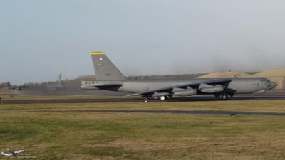 61-0005 B52H USAF 2