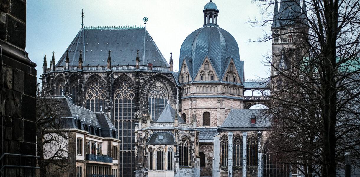 Aachener Dom vom Katschhof aus fotografiert