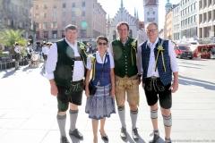 Anton Obermaier (li.), Werner Mayer (re,), Münchner Brauertag am Odeonsplatz in München am 29.6.2019