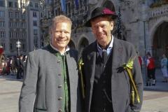 Andreas Steinfatt und Peter Reichert (re.), Münchner Brauertag am Odeonsplatz in München am 29.6.2019