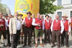 Sängerkreis Ottobrunn, Tag des Bieres am Bierbrunnen Ecke Oskar-von-Miller-Straße/Briennerstraße in München 2019