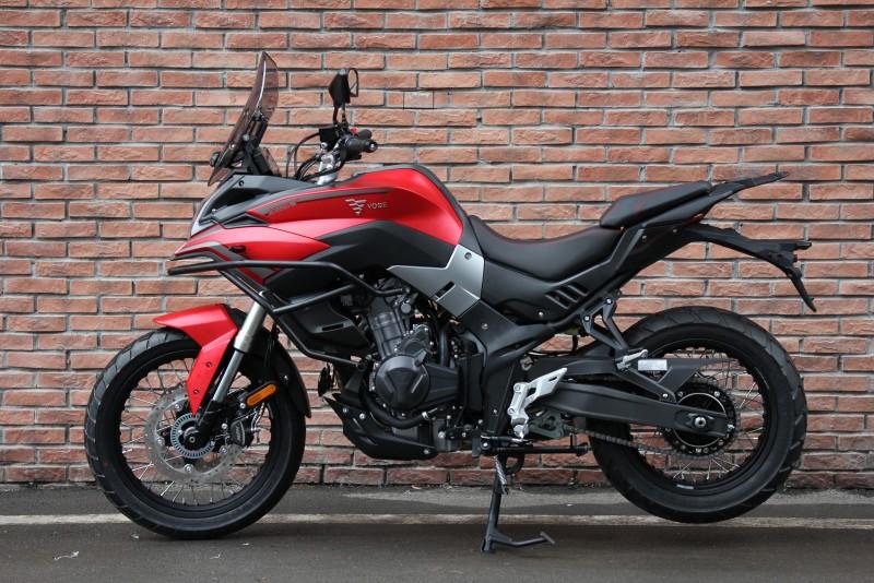 VOGE 500 DSX roja