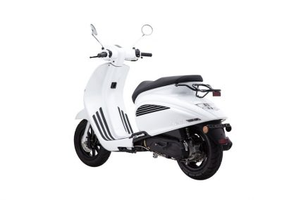 MOTOCICLETA SCOOTER BESBI 125 COLOR BLANCO