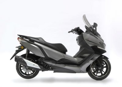 motocicleta scooter DAELIM XQ2 300 cc color metal