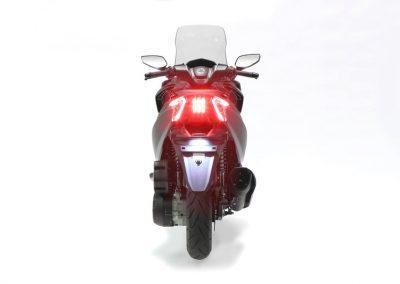 motocicleta scooter DAELIM XQ2 300 cc color rojo