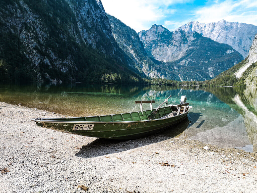 Boat on the shores of lake Obsersee