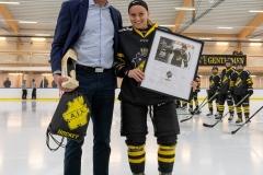 8501183-201113-Lars-Ekholmer-Line-Bialik