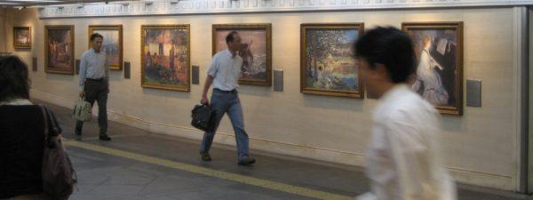 Kopien impressionistischer Gemälde in einem unterirdischen Einkaufszentrum in Osaka (2009)