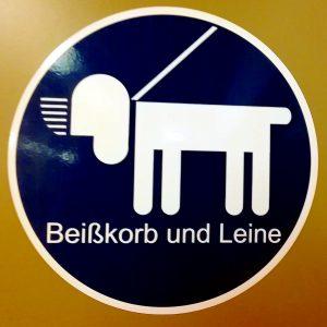 Beißkorb- und Leinenpflicht für Hunde in den Wiener U-Bahnen