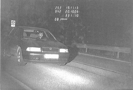 Übertretung der Höchstgeschwindigkeit. Auto