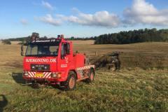 bjaergning-traktor-mark