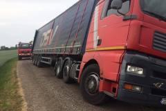 lastbil-fritraekning-groeft-grusvej