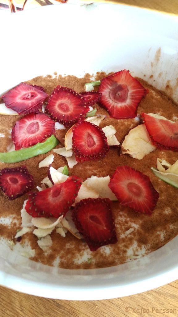 Torkade jordgubbar på filmjölken iistället för socker