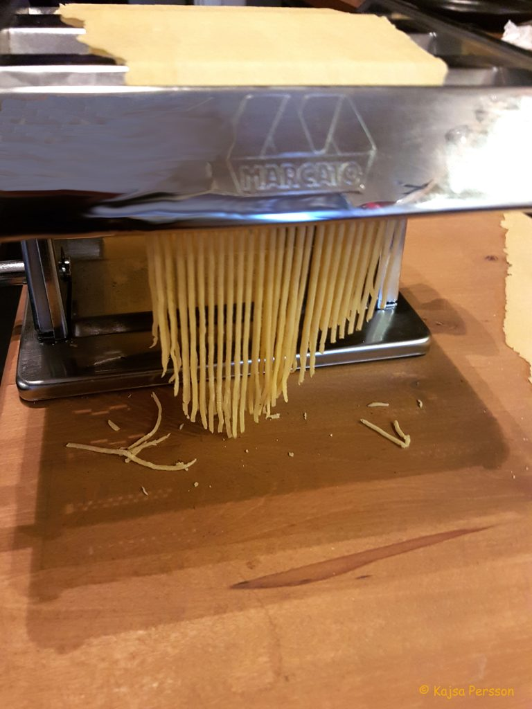 Spagetti i pastamaskinen