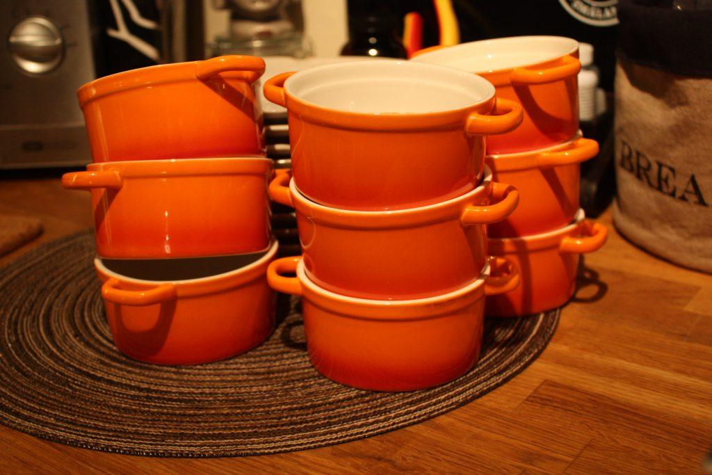 Ugnsfasta mini keramik grytor till soppa eller gratäng