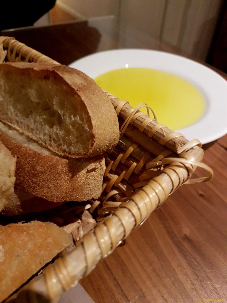 Bröd och Olja innan maten