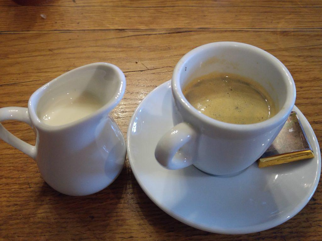 Fransk café au lait i Jura