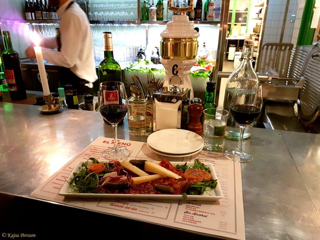 Charkbricka med goda små läckerheter på Escama Gastrobar, Malmö