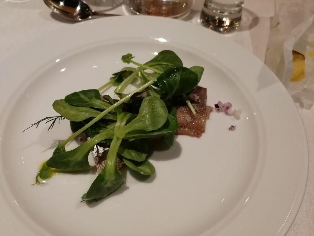 Löksill med sallad på Glocal dinner