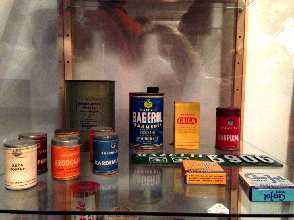 Lite olika äldre Mazetti produkter