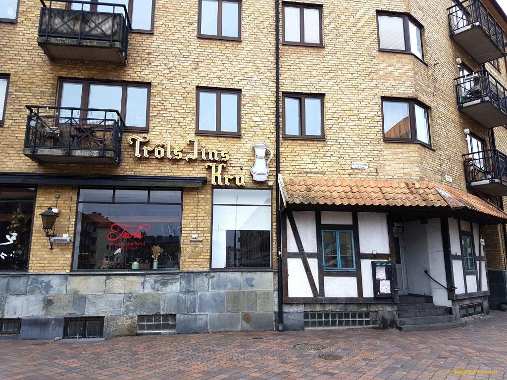 Tröls Jins Kru, Malmö på Karlskrona plan